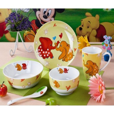 Porcelain elephant pattern children's dinner set