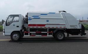 Compressing garbage truck