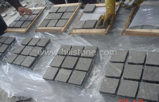Basalt Cobblestone on Mesh-Flamed - Square Shape
