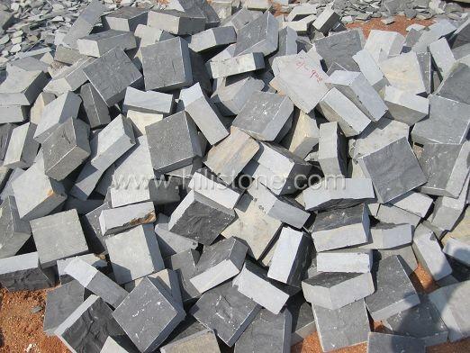 Black Basalt Natural + Bottom Sawn Cobblestone