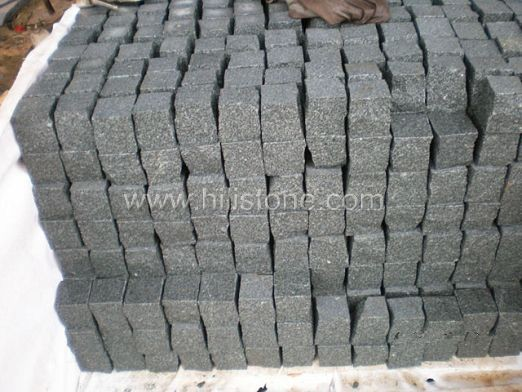 G612 Granite Flamed Cobblestone