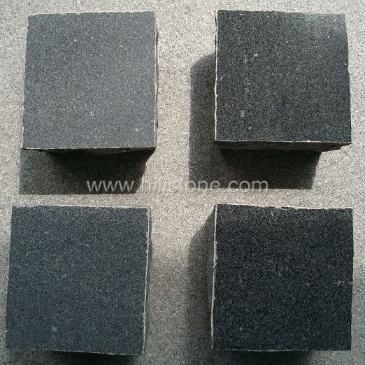 G654 Granite Polished Cobblestone
