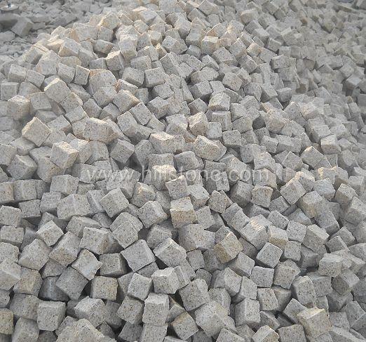 G682 Granite All Sides Natural Cobblestone