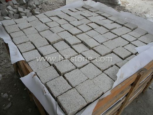 G682 Granite Bush-hammered Cobblestone