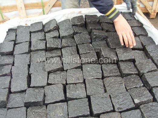 G684 Black All Sides Natural Cobblestone