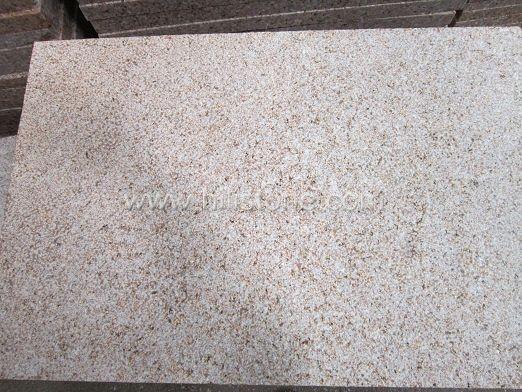 G682 Yellow Granite Bush-hammered Paving Stone