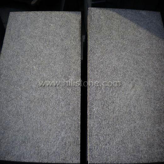 G684 Black Chiselled Paving Stone