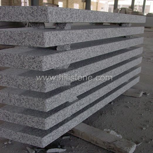 G623 Granite Flamed Step
