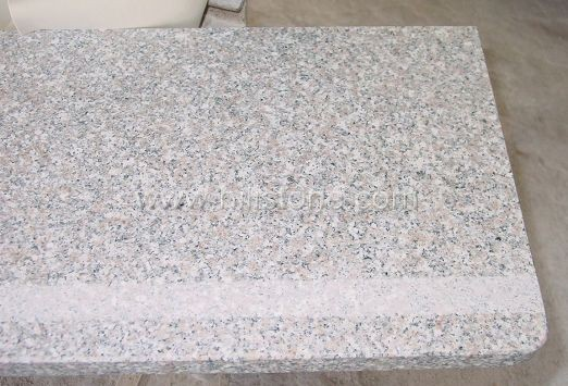 G636 Pink Granite Polished Step