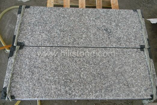 G636 Pink Granite Flamed Stone Block Step