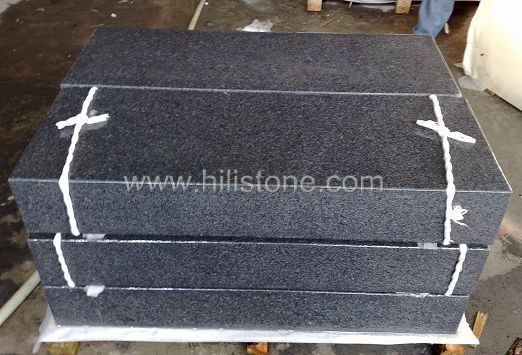 G654 Blue Black 5 Sided Flamed Stone Block Step