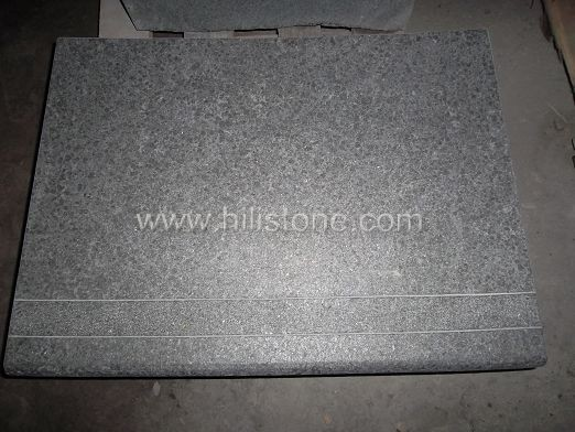 G684 Black Flamed Curved Stone Block Step