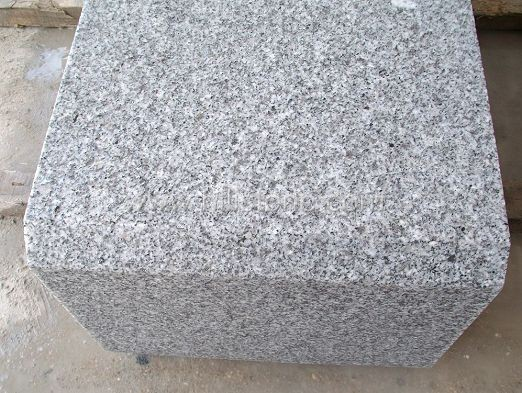 G603 Silver Grey Granite Flamed Stone Kerbs