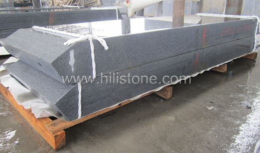 G654 Blue Black Flamed Stone Kerbs