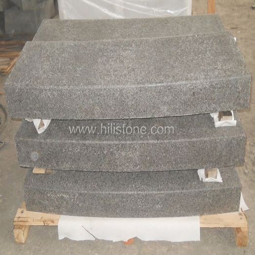 G684 Black Flamed Curved Stone Kerbs
