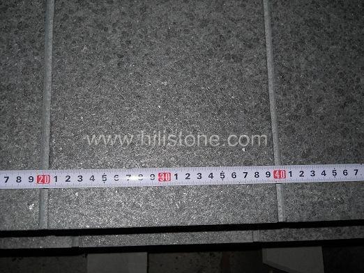 G684 Black Flamed Grooved Stone Kerbs