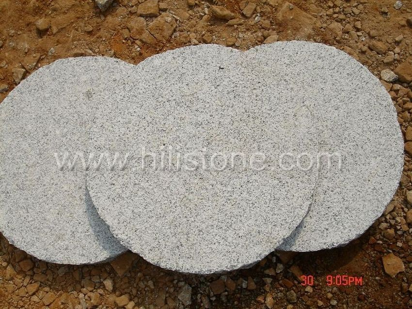 G603 Round Bushhammered Stepping Stone
