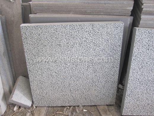 G612 Granite Fine Rough Picked Paving Stone