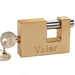 Transverse brass padlock